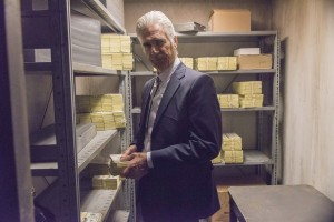 justified-dark-as-a-dungeon-sam-elliott-600x400
